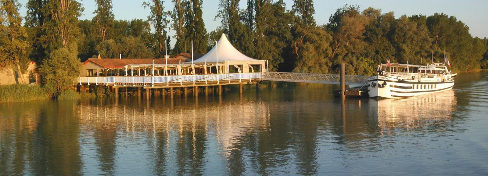 la maison du fleuve guinguette camblan 232 s et meynac 33360 camblanes et meynac epaillote