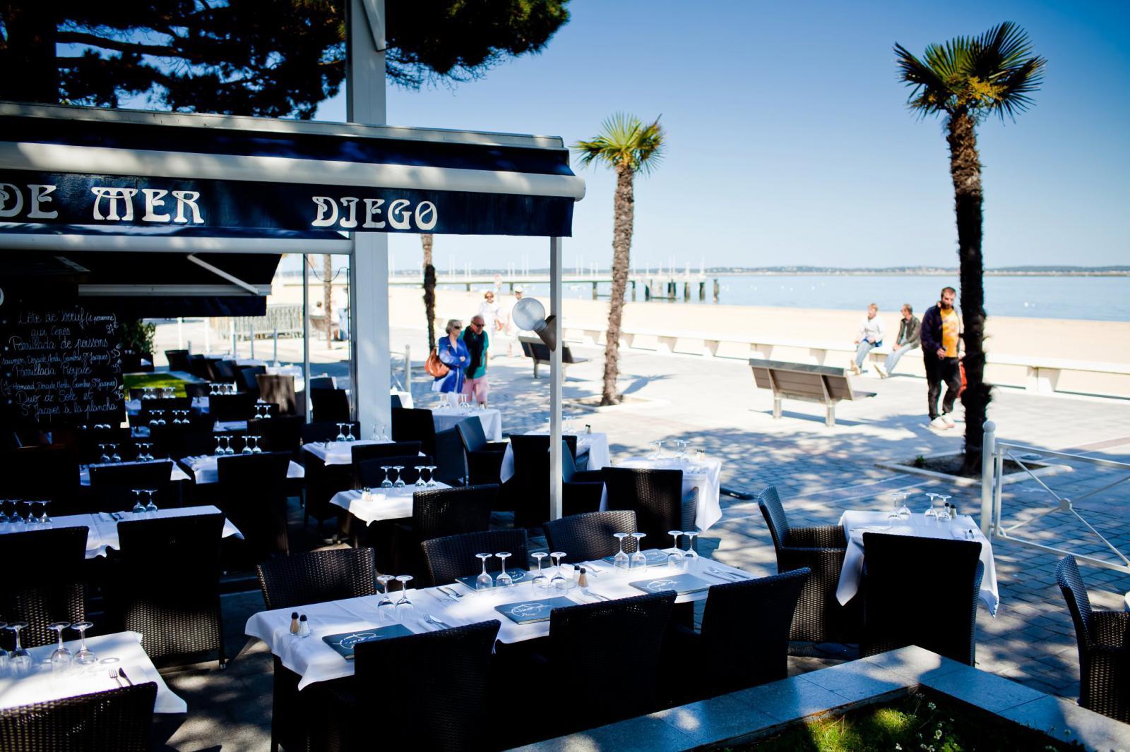 Diego plage plage am nag e arcachon 33120 arcachon l 39 - Restaurant starck arcachon ...