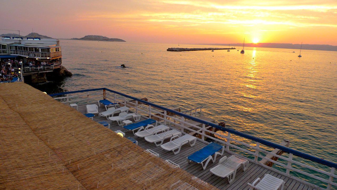 Le petit pavillon plage am nag e marseille 13007 - Le petit pavillon marseille ...