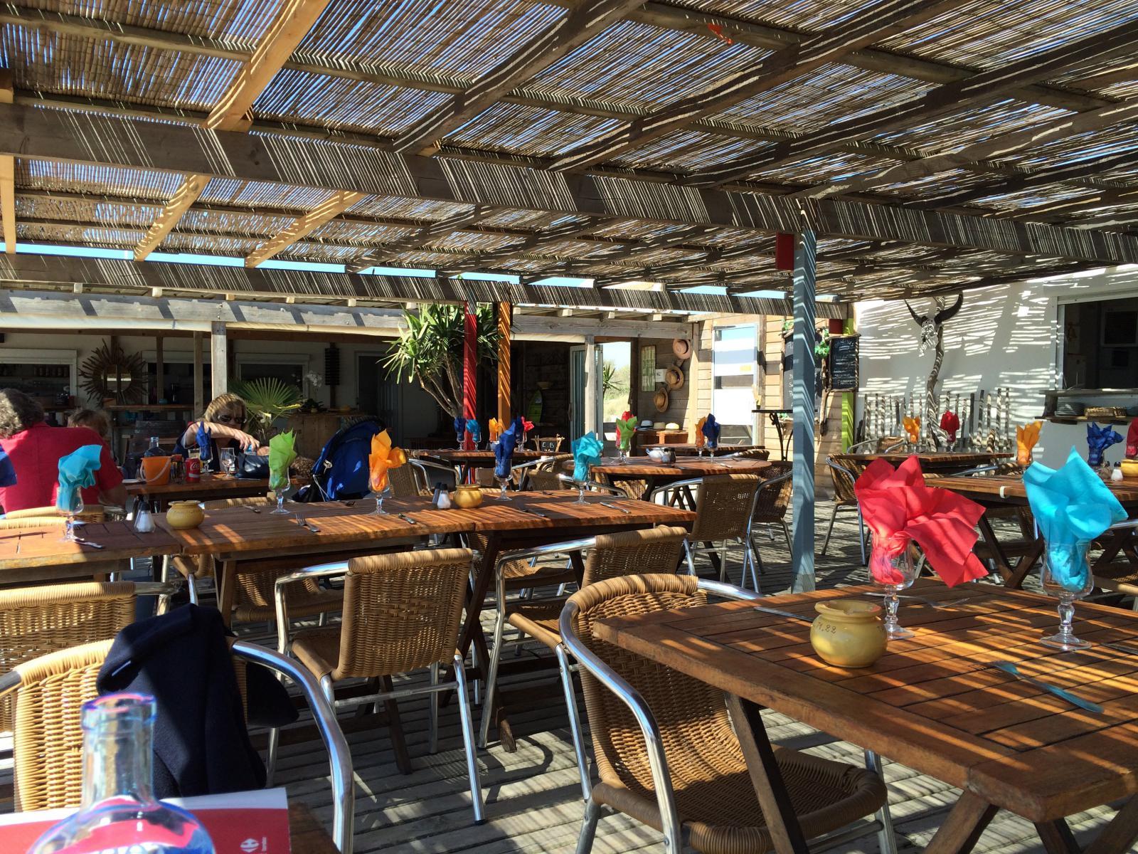 Le tahiti plage plage priv e les saintes maries de la for Chambre 13 tahiti plage
