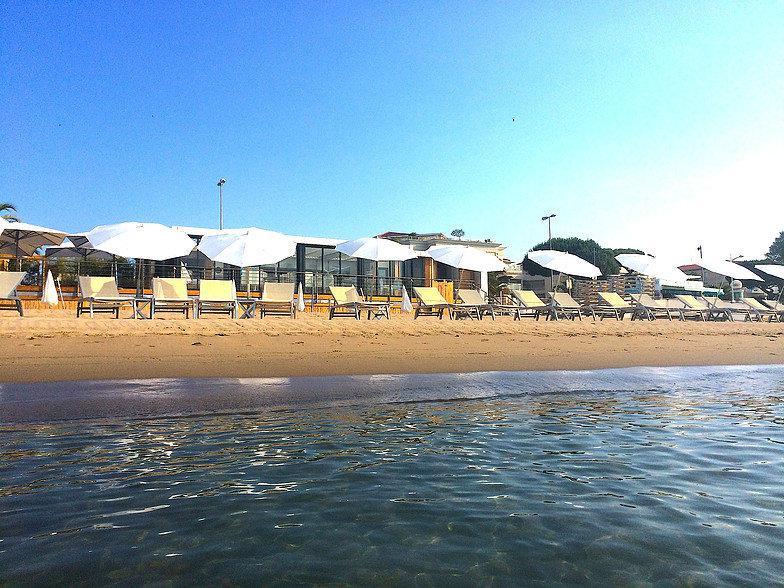 le cabanon plage am nag e cannes 06400 cannes l 39 officiel des plages priv es. Black Bedroom Furniture Sets. Home Design Ideas
